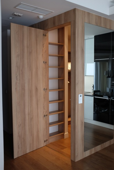Yup! They managed to cram a quite spacious wardrobe here. Really love the idea and execution.